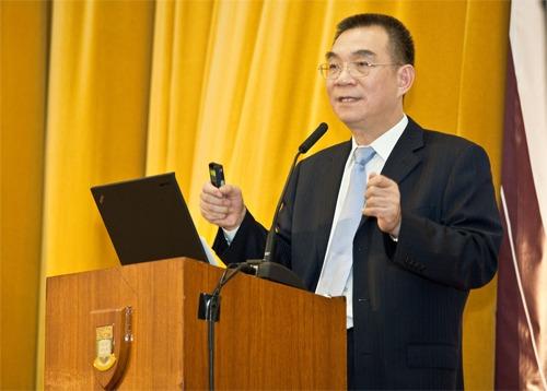 Professor Lin addressed the problem of global economic imbalances